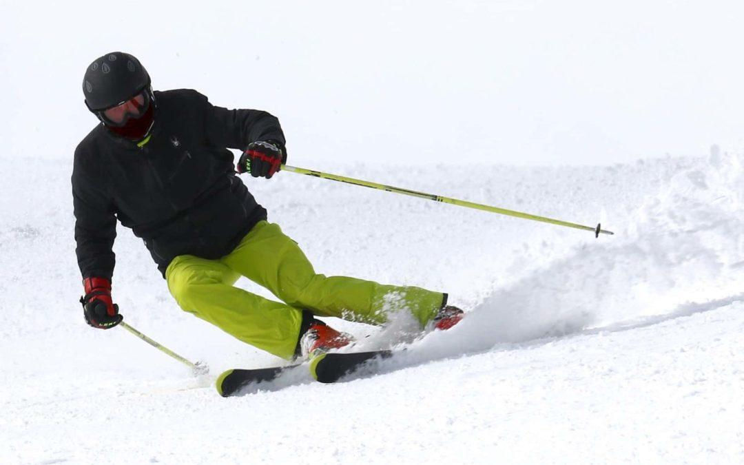 Cómo aprender a esquiar: claves para mejorar la seguridad