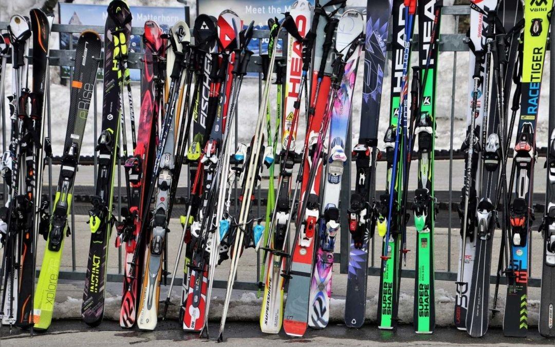¿Cómo elegir esquís?: 4 factores a tener en cuenta